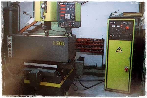Máquina de electroerosión en el año 1998